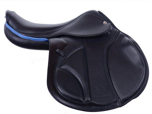 Balotade® Carbon Viper to profesjonalne siodło skokowe. Zostało wykonane z wysokiej jakości włoskiej skóry.